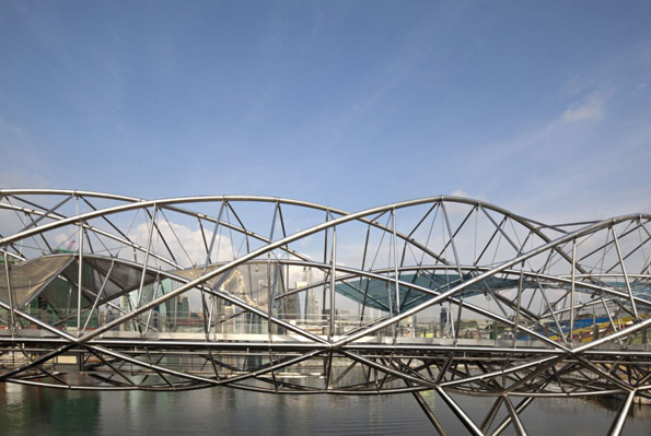 جسر الحلزون سنغافورة في خليج ماريانا 1322614393-201019965